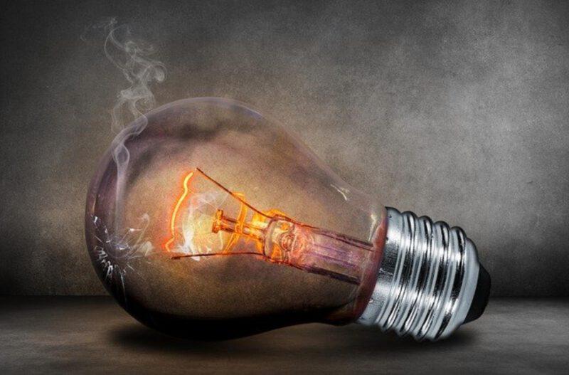 Jak oszczędzać na opłatach za prąd?