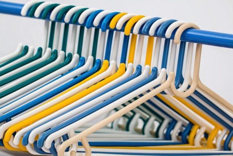 Moja garderoba – jak przechowywać ubrania?
