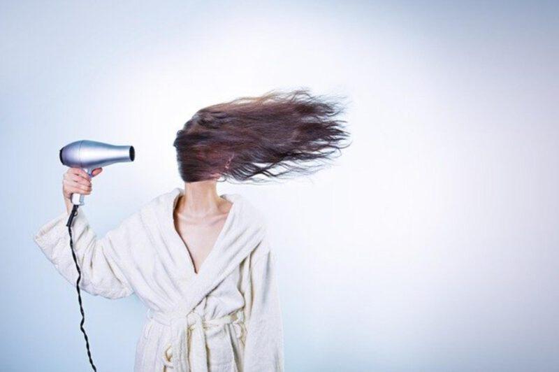 Jak szybko zapuścić włosy? Zasady w pielęgnacji