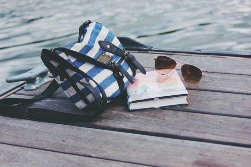 Idealna kobieca torebka – jaką torebkę kupić?