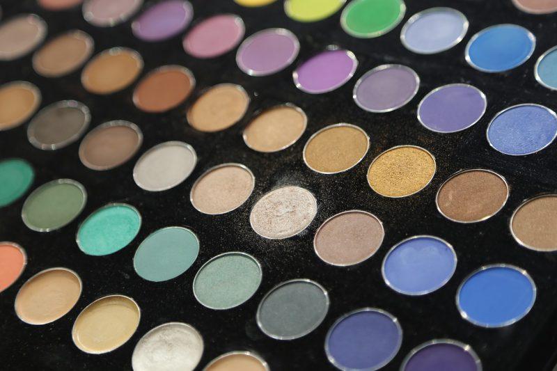 Palety cieni do powiek od Makeup Revolution – czy warto je kupić?